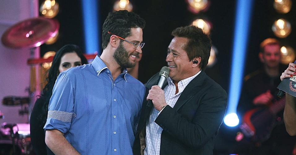 14.ago.2013 - O cantor e apresentador Pedro Leonardo grava edição do programa Festival Sertanejo com seu pai, o também cantor Leonardo. O programa vai ao ar no próximo sábado (17), às 22h15, no SBT. Leonardo cantou músicas como