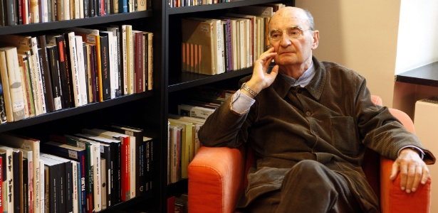 "Slawomir Mrozek escreveu ""Tango"", ""O Elefante"" e ""Amor na Crimeia"" - Grzegorz Jakubowski/AFP"