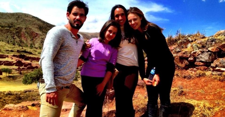 Juliano Cazarré, Klara Castanho, Maria Maya e Paolla Oliveira nas gravações de