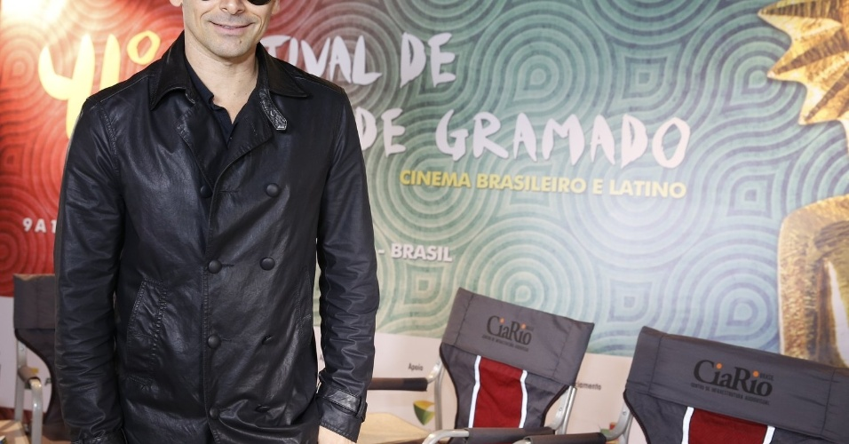 16.ago.2013 - Murilo Rosa chega em Gramado para o 41º Festival de Cinema de Gramado, no Rio Grande do Sul