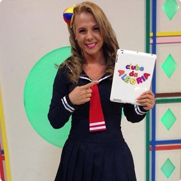 """16.ago.2013 - Carla Perez se fantasia como o Kiko do """"Chaves"""""""