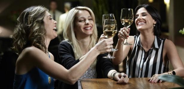 """Luna (Juliana Schalch), Magali (Michelle Batista) e Karin (Rafaela Mandelli) resolvem aplicar conceitos de marketing à prostitução na série """"O Negócio"""", produção brasileira da HBO - Divulgação"""