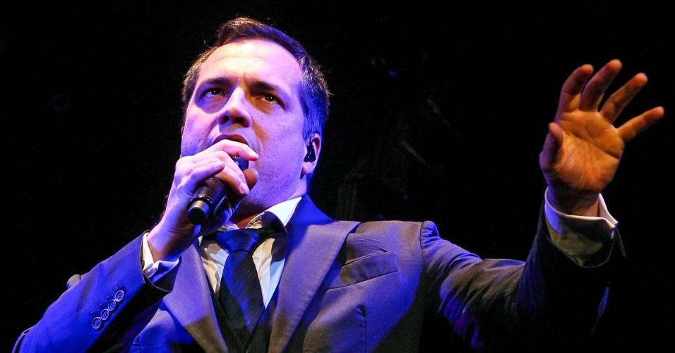 16.ago.2013 - O cantor e ator ainda se apresentará mais dois dias no Tom Jazz com
