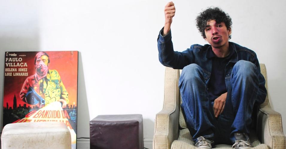 16.ago.2013 - Pablo Capilé, fundador do coletivo Fora do Eixo, durante entrevista a jornalistas do UOL