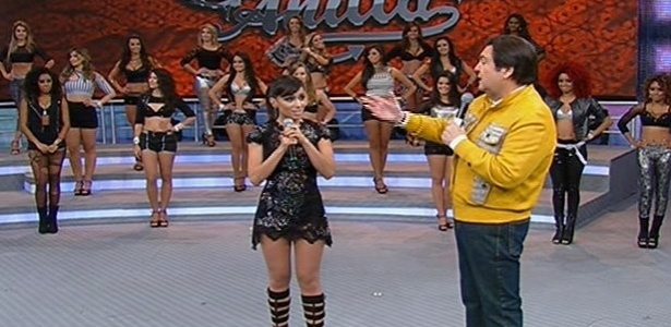 "18.ago.2013 - Anitta participa do programa ""Domingão do Faustão"""