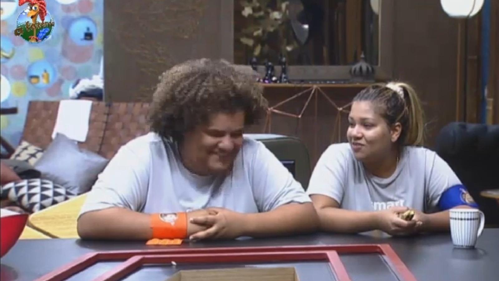19.ago.2013 - Gominho e Mulher Filé conversam antes de atividade
