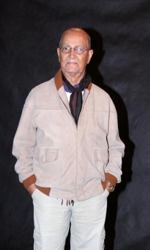 """19.ago.2013 - Nelson Xavier vai interpretar um líder espiritual em um mosteiro fictício em """"Joia Rara"""""""