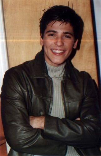 Bruno Gagliasso com pose de modelo, aos 13 anos (1995)
