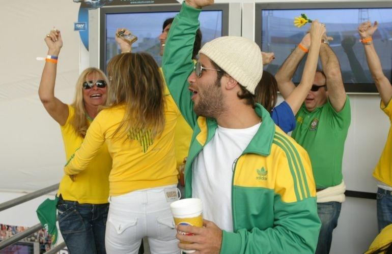 Bruno Gagliasso vai torcer pela seleção no Jockey Club de São Paulo, no segundo jogo do Brasil na Copa do Mundo (18/6/06)