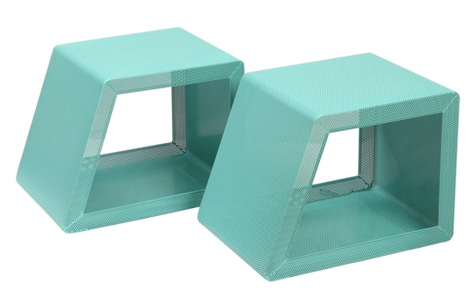 Os bancos Gumo, assinados pelo designer Zanini de Zanine (www.studiozanini.com.br), são indicados para áreas externas. As peças são trapezoidais, estruturadas em metal telado e concorreram ao Salão Design da Casa Brasil, 2013