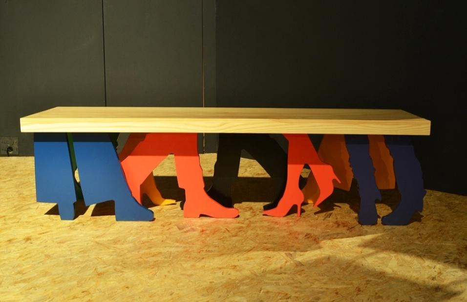 O banco People, da agência Quadrante Design (quadrantedesign.com.br), foi apresentado dentro do projeto Estúdios da Casa Brasil 2013 - feira de design e decoração de alto padrão em Bento Gonçalves (RS)