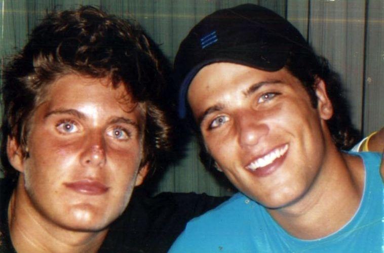 Thiago Gagliasso posa com o irmão, Bruno (2007)