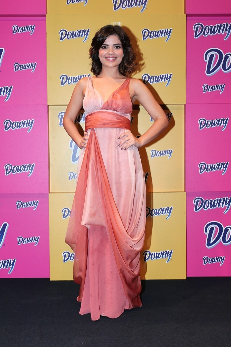 21.ago.2013 - Vanessa Giácomo participa de evento de marca de amaciantes de roupa