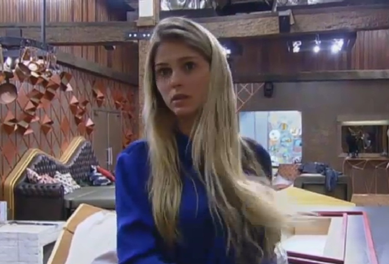 21.ago.2013 -Bárbara diz que Andressa pediu desculpas a ela pelas ofensas