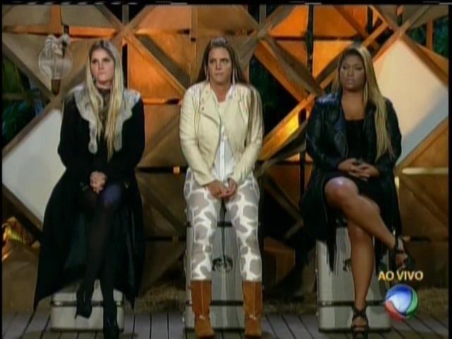 Bárbara, Denise e Mulher Filé aguardam para saber quem será imunizada