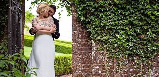 Kelly Clarkson posta foto de sessão fotográfica de noivado em sua conta no Twitter - Archetype Studio Inc./Reprodução/Twitter/kelly_clarkson