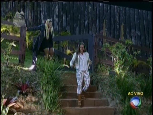 Mulher Filé e Denise Rocha foram para o celeiro