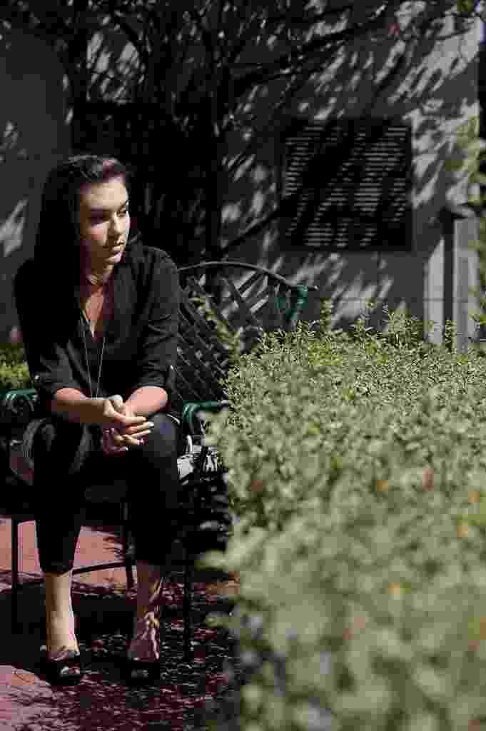 A ex-atriz pornô Sasha Grey na varanda do seu quarto de hotel, no bairro da Bela Vista, em São Paulo. - Reinaldo Canato/UOL