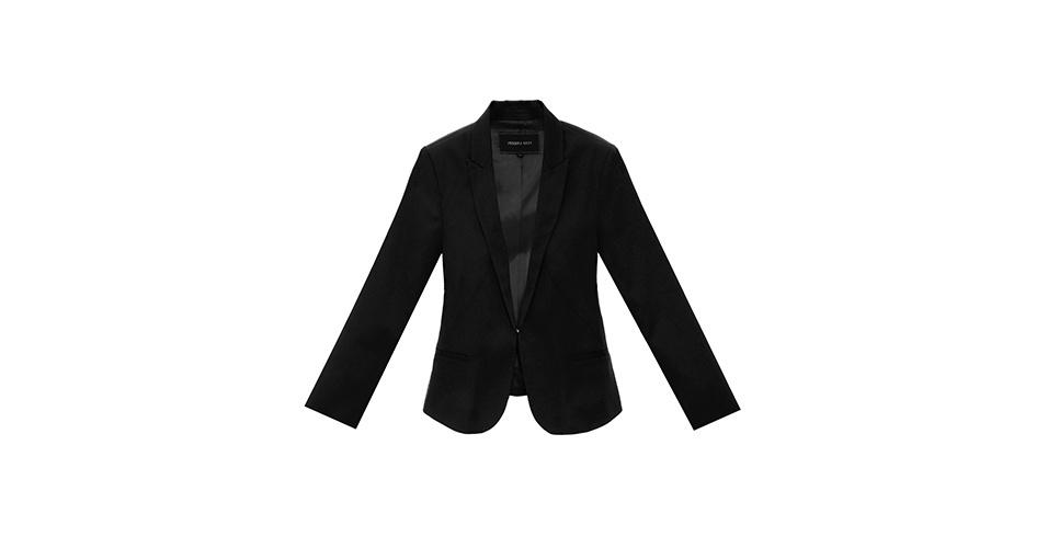 Blazer preto; R$ 99,90, na C&A (www.cea.com.br). Preço pesquisado em agosto de 2013 e sujeito a alterações