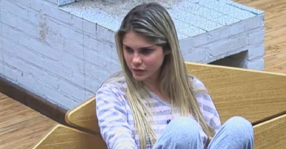 23.ago.2013 - Bárbara Evans revela ter medo de ter que enfrentar Mateus na roça