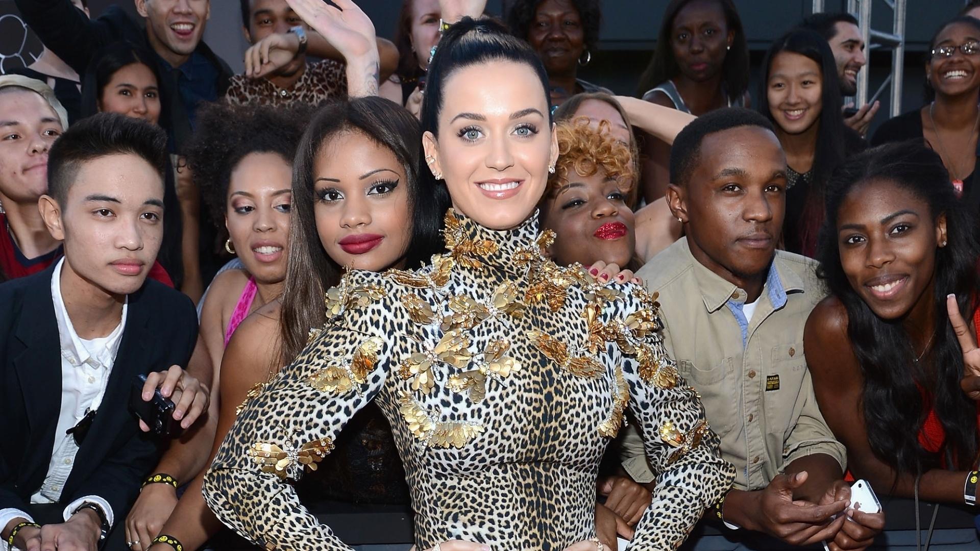 25.ago.2013 - Katy Perry chega ao Barclays Center, em Nova York, para a cerimônia do Video Music Awards 2013. A cantora é uma das atrações mais esperadas da noite
