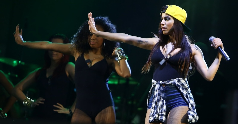 25.ago.2013 - A funkeira Anitta apresenta o Show das Poderosas em São João do Meriti (baixada fluminense). A apresentação faz parte do Rodeio Meriti, em comemoração aos 66 anos da cidade