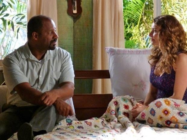 """Em """"Flor do Caribe"""", Doralice pede o divórcio para Quirino"""