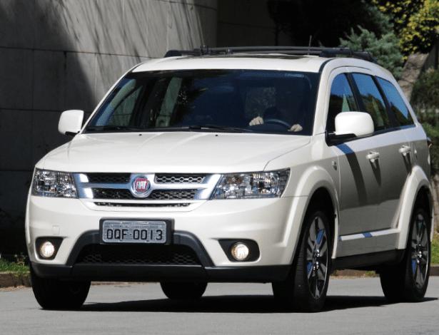 Recall é idêntico ao do ourney, irmão do SUV que leva o logo da Dodge - Murilo Góes/UOL