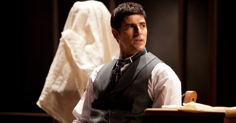 Reynaldo Gianecchini em cena da peça