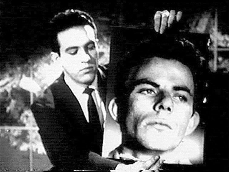 """1960 - Cena do filme """"Cidade Ameaçada"""", do diretor Roberto Faria, onde o bandido Passarinho, personagem do ator Reginaldo Farias, é destaque na televisão"""