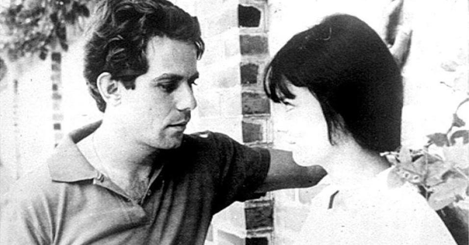 """1968 - Reginaldo Faria e Irene Stafania em cena de """"Lance Maior"""", filme de Sylvio Back."""