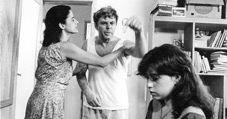 """1985 - Com Marieta Severo e Fernanda Torres em cena do filme """"Com Licença Eu Vou à Luta"""""""