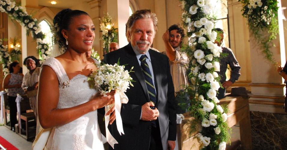 "2009 - Com a atriz Lidi Lisboa, durante cena de casamento na novela ""Paraíso"""