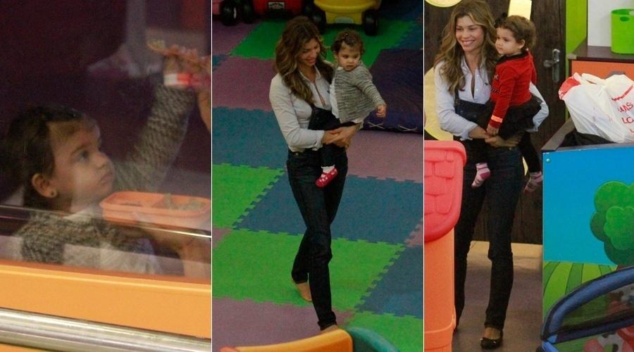 """27.ago.2013 - Grazi Massafera passeou com a filha Sofia em um shopping da zona oeste do Rio. A atriz brincou com a menina em um parquinho e chegou a tirar fotos com fãs. Grazi está no ar em """"Flor do Caribe"""""""