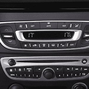 Renault Fluence, ar-condicionado digital duas zonas - Divulgação
