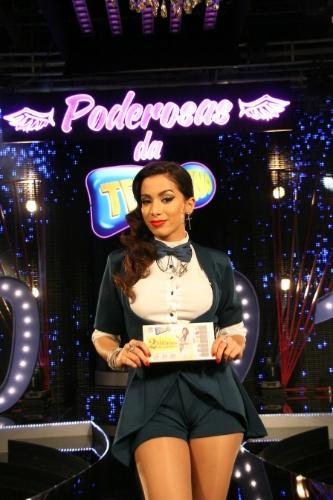 27.ago.2013 - Anitta grava comercial da Tele Sena