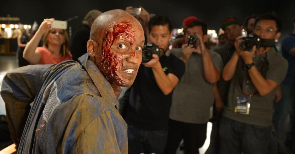 """27.ago.2013 - Entre as produções da Universal 'homenageadas' estão a série """"The Walking Dead"""" e os filmes """"O Segredo da Cabana"""" e """"Um Lobisomem Americano em Londres"""""""