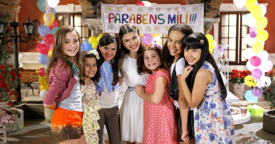 """Em """"Chiquititas"""", Mili ganha festa de aniversário surpresa"""