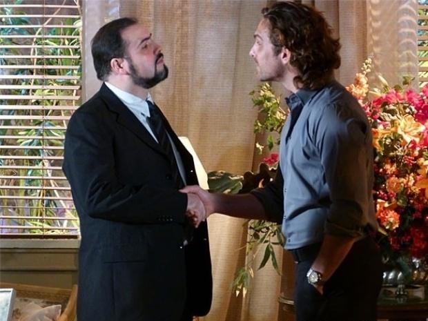 """Em """"Flor do Caribe"""", Alberto suborna advogado para pressionar Hélio a denunciar avô"""
