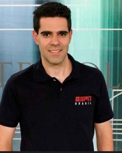 """Paulo Andrade, narrador e apresentador dos programas """"Futebol no Mundo"""", """"SportsCenter"""", """"Bate-Bola"""" e os que abrem as transmissões ao vivo nos canais ESPN"""