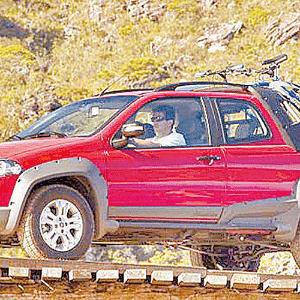 Fiat Strada Cabine Dupla 2009 - Divulgação