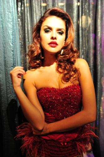 """2013 - Em """"Salve Jorge"""", traficada, Rosângela (Paloma Bernardi) acabou virando dançarina, garota de programa na Turquia"""