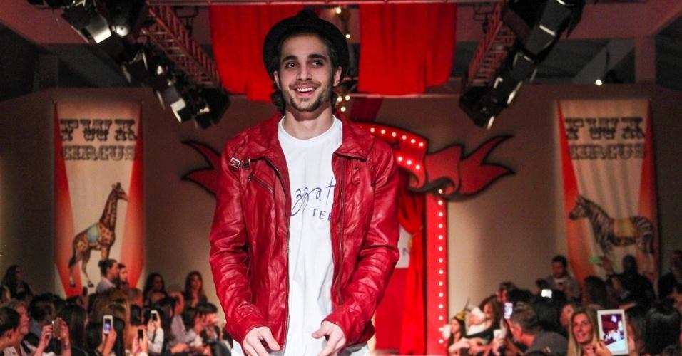30.ago.2013 - O cantor e ator Fiuk participou de um desfile de moda em um shopping em São Paulo. Na ocasião ele afirmou que chegou ao fim seu namoro com a atriz Sophia Abrahão