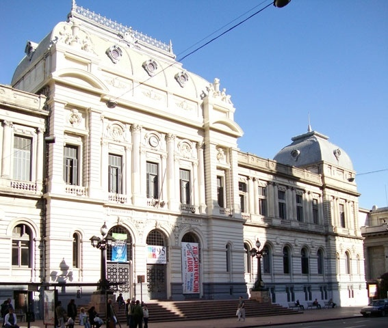 A bela sede da Universidade da República, na avenida 18 de Julho, foi inaugurada em 1911