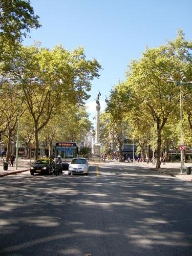 A Coluna da Paz, na Praça Cagancha, é um símbolo do final da Guerra Civil uruguaia, em 1865
