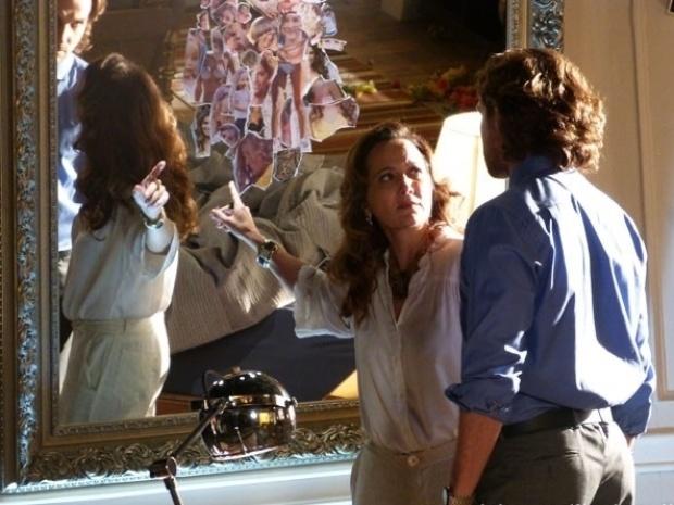 """Em """"Flor do Caribe"""", Guiomar vê fotos rasgadas de Ester no quarto de Alberto"""
