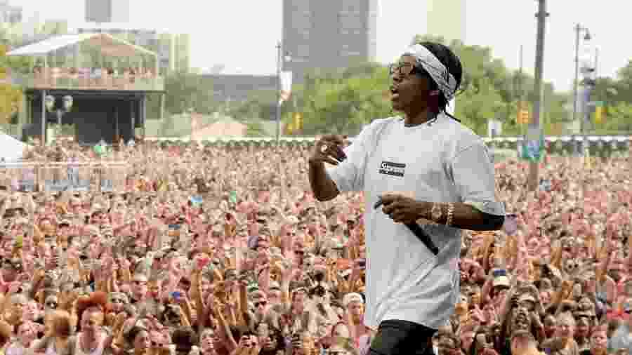 31.ago.2013 - Público lota Festival Budweiser Made in America, que acontece no Benjamin Franklin Parkway, na Filadélfia (EUA). No palco, o rapper ASAP Rocky canta seus sucessos - Getty Images