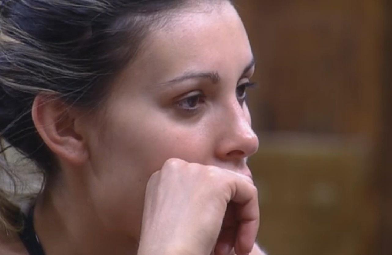 02.set.2013 - Andressa diz à Mulher FIlé que não aguenta mais olhar para cara de Bárbara como se estivesse feliz