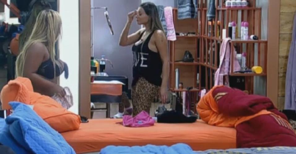 1.set.2013 - Andressa Urach chama Beto de encosto e Mulher Filé diz que Denise tem muita celulite