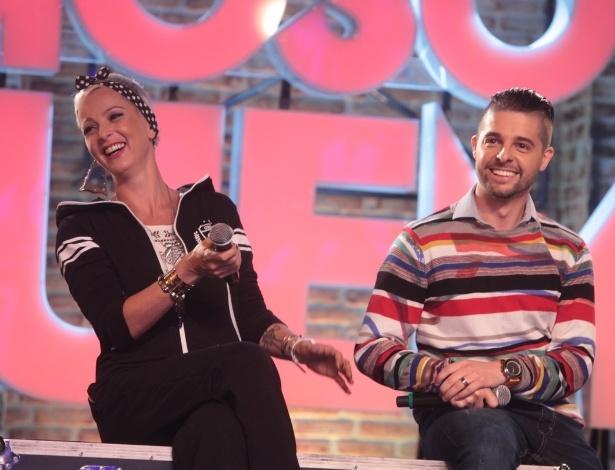 """2.set.2013 - Bruna Tag e Diego Ramiro participaram do lançamento do reality show """"Famoso Quem?"""" nesta segunda nos estúdios do SBT, em São Paulo. A atração estreia no dia 14 de setembro"""